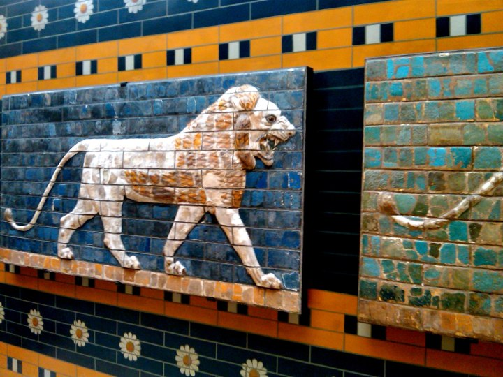 istanbul-ishtar-gate-lions-in-relief