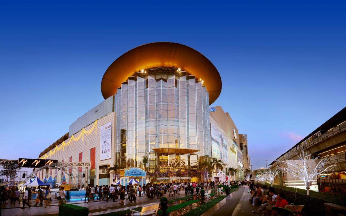 shopping-mall-in-bangkok-thailand