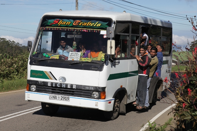 sri-lanka-bus